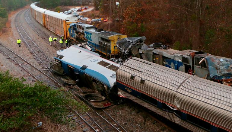 Wreckage+of+the+deadly+crash+between+the+Amtrak+and+Freight+train.