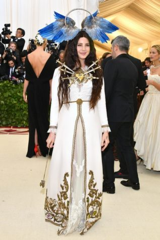 Lively lights it up at the 2018 Met Gala
