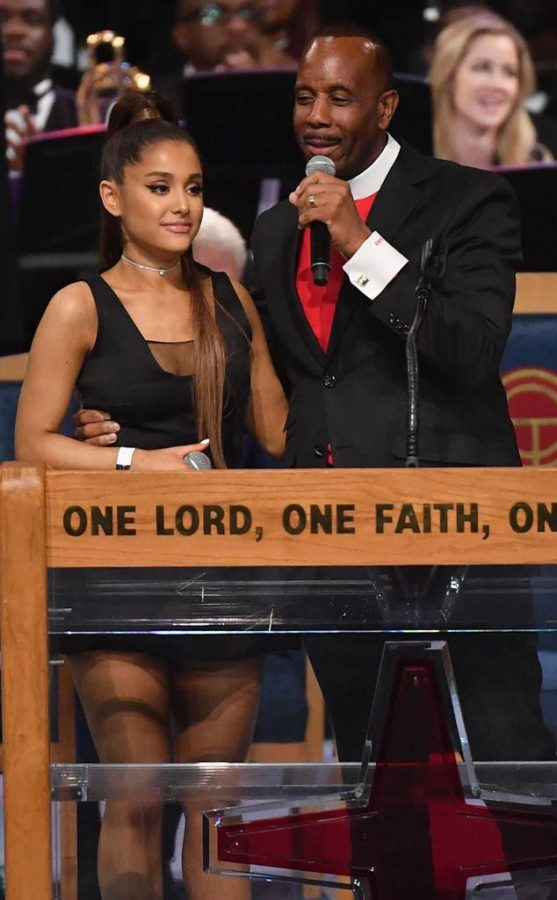 Ariana Grande groped at Aretha Franklin's funeral