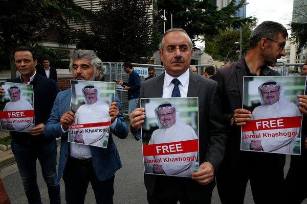 Turkish-Arab journalists protesting in support of Jamal Khashoggi in Istanbul.
