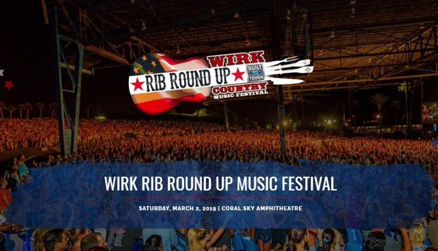 Rib+Round+Up+country+festival%2C+and+the+seating+in+front+of+the+stage.+%0A%0A