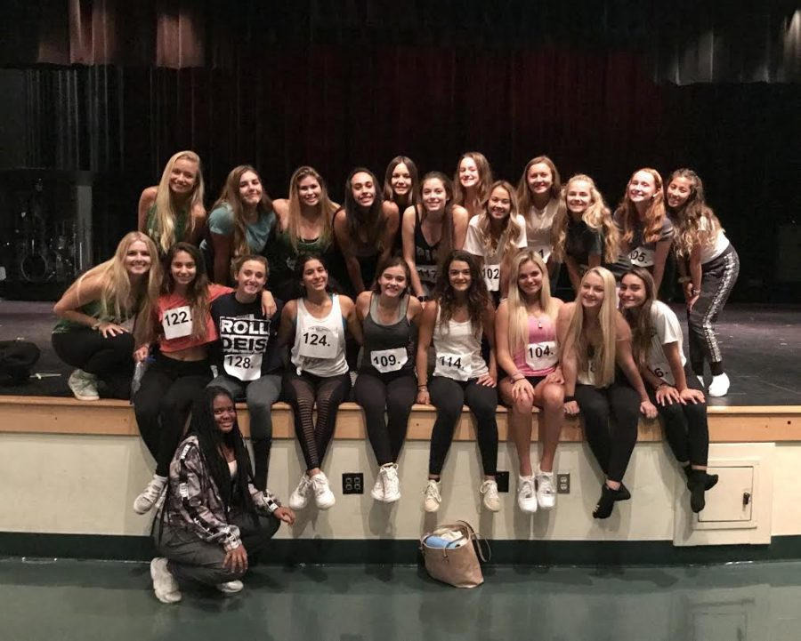 2019-2020+Warrior+Dance+Team+members+smiling+to+take+a+picture+after+auditions