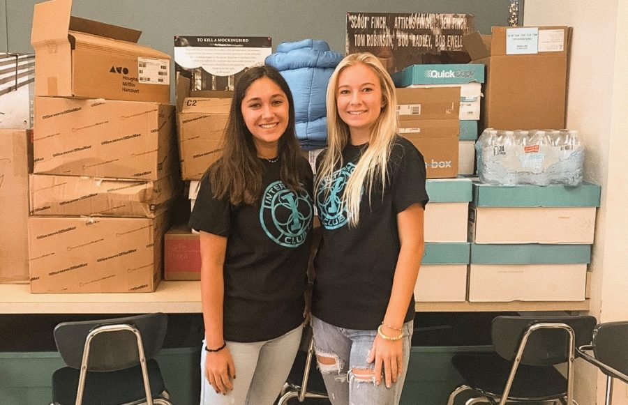 Jupiter+High%27s+Interact+Club+collects+donations+for+Bahamas