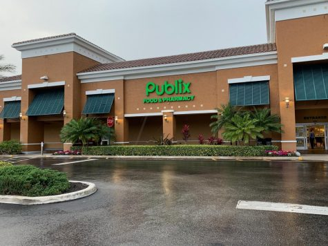 Tequesta Publix with a nearly empty parking lot on April 10.