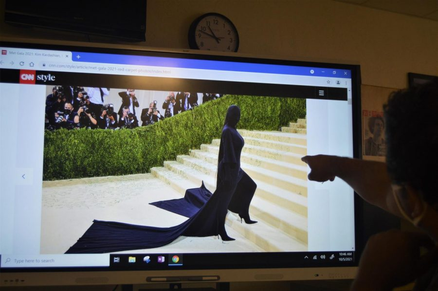Student analyses Kim Kardashian met gala appearance.